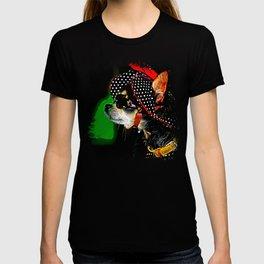 classy chihuahua dog lady vector art T-shirt