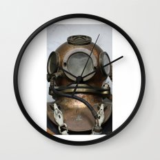 Antique vintage metal underwater diving helmet Wall Clock