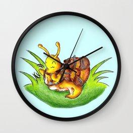 Little Robust Traveler Wall Clock