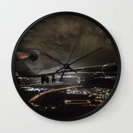 Wind 360 20 kts clear to land Wall Clock