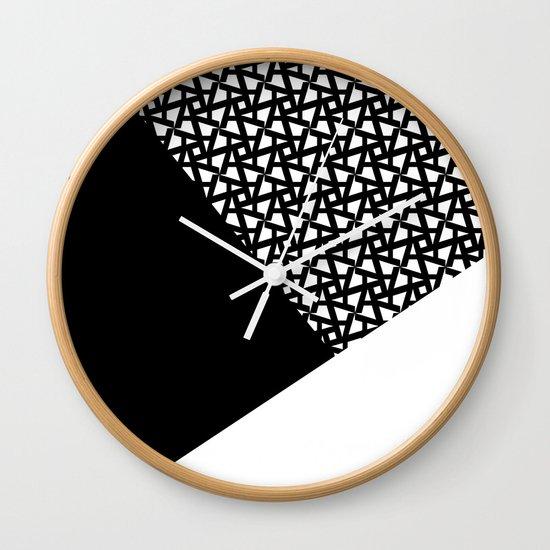 A_pattern Wall Clock