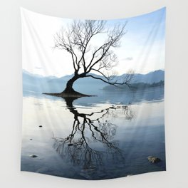 The Wanaka Tree, South Island, New Zealand Wall Tapestry