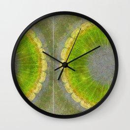 Skilligalee Au Naturel Flower  ID:16165-041435-73150 Wall Clock