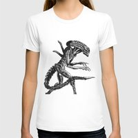 xenomorph T-shirts featuring Xenomorph by Carla Beltra