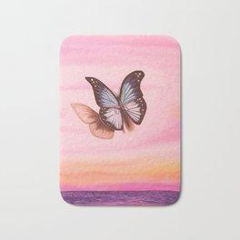 L'amour vogue avec le papillon Bath Mat