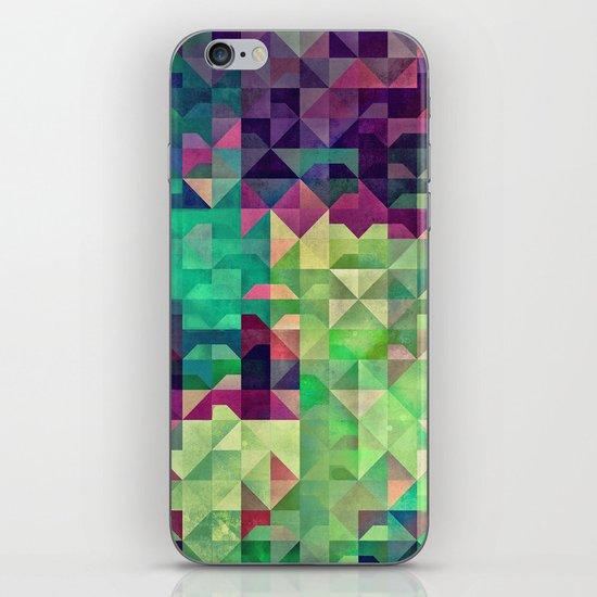 Gryyn xhrynk iPhone & iPod Skin