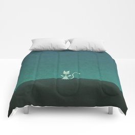 Small winged polka-dotted blue cat Comforters