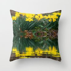 YELLOW DAFFODILS WATER REFLECTION PATTERN Throw Pillow