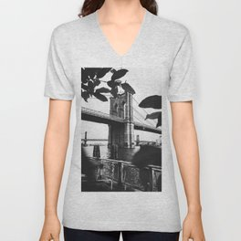 Brooklyn Bridge Cameo Unisex V-Neck