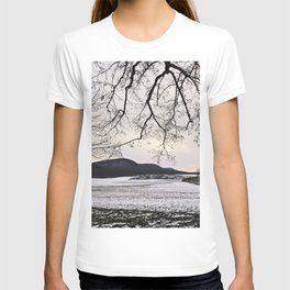 """""""Photography of Nature"""" Snowy landscape at dusk in Winter at Piliscsev, Hungary T-shirt"""