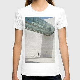 Champalimaud Foundation gigantism tube T-shirt