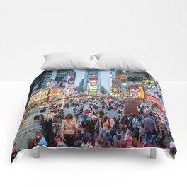 Times Square Tourists Comforters