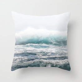 BIG SPLASH HAWAII Throw Pillow