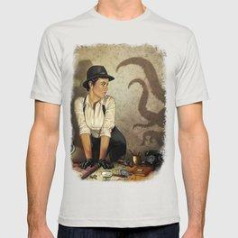 Detective 2 T-shirt