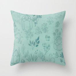 Cristal garden Throw Pillow