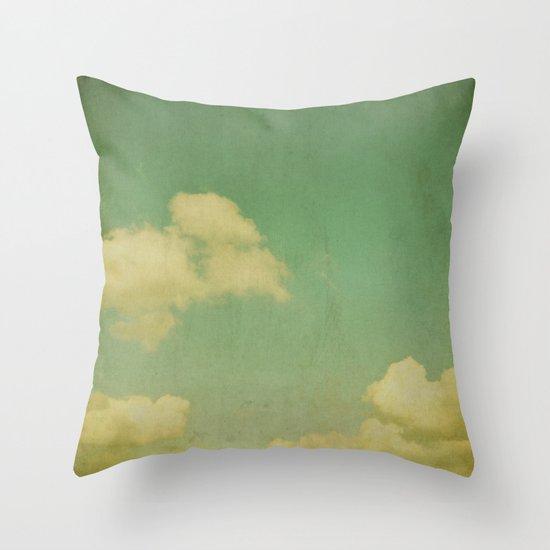 sky beach dyke Throw Pillow