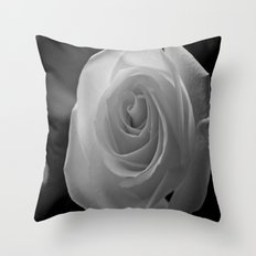 Moi aussi, Je t'aime Throw Pillow