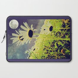 As the Daisies Greet the Evening Sky Laptop Sleeve