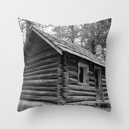 Old Vintage Farm House Throw Pillow