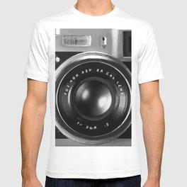 RETRO REFLEX CAMERA T-shirt