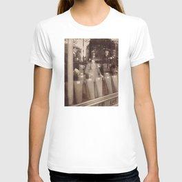 Eugène Atget - Avenue des Gobelins T-shirt