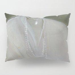 Lina in White Pillow Sham