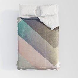 Geometric Layers Comforters