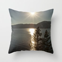 star over the lake Throw Pillow