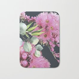 Bottle brush Bath Mat
