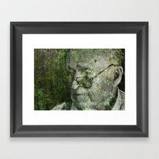 une vieille forêt Framed Art Print