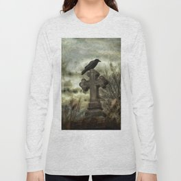 Gothic Crow Perched On A Old Cross Long Sleeve T-shirt