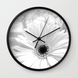 Winter White Gerbera Daisy A199 Wall Clock