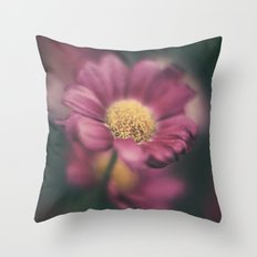 Daisy' Throw Pillow