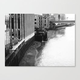 London 1 Canvas Print