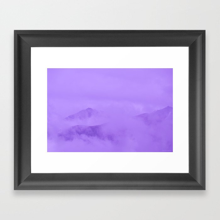Lilac Fog Surrounding Anchorage Mountains Gerahmter Kunstdruck