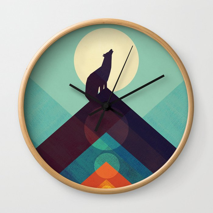 Howling Wild Wolf Wall Clock