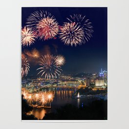 Fireworks over Pittsburgh on 4th July Poster