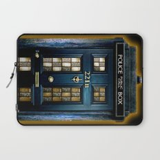 Tardis doctor who Mashup with sherlock holmes 221b door Laptop Sleeve