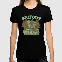 Bigfoot Hide-and-Seek Champion (vintage distressed look) T-shirt
