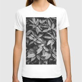 B&W botanical leaves | Nature photography series I. T-shirt