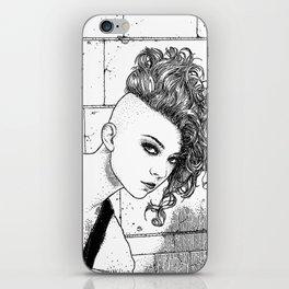 asc 651 - La jeune rebelle (The young mohawk) iPhone Skin