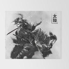 Taiko - Dance of the swords Throw Blanket