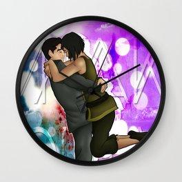 Makorra - Hug Wall Clock