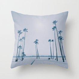 summer dissipation Throw Pillow