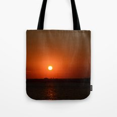 A Sunset With Lady Liberty Tote Bag