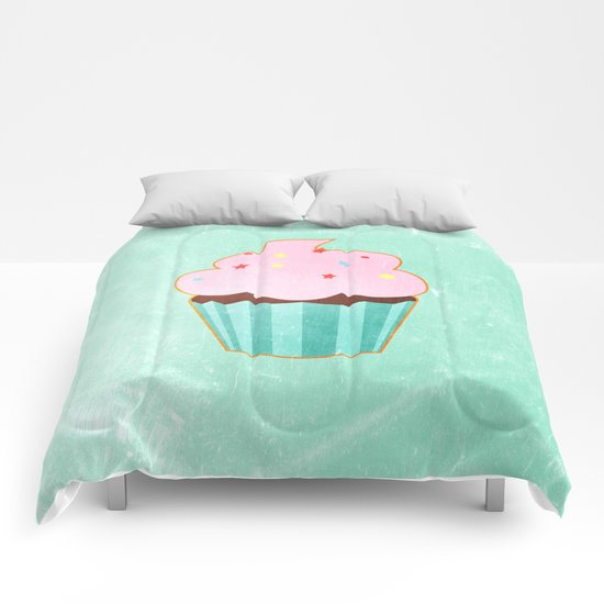 Cupcake tasty, sweet illustration Comforters