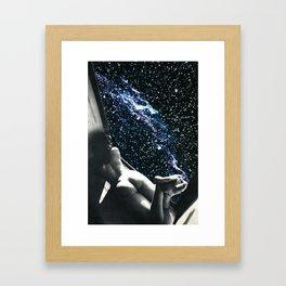 Camera con vista Framed Art Print