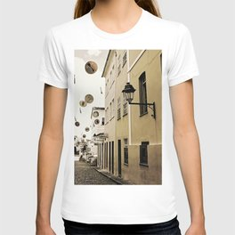 signs in the sky T-shirt