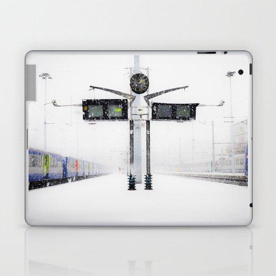 blizzard in Paris Laptop & iPad Skin