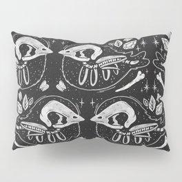 SPOOKY BIRBS Pillow Sham